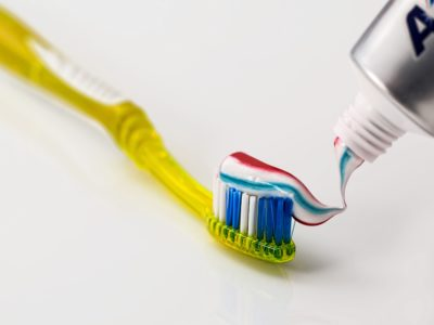 Zahnbürste (2)